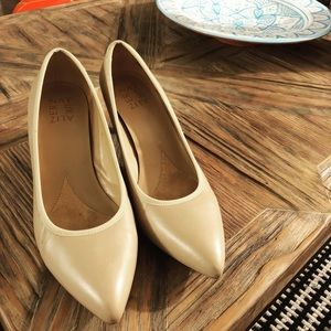 Naturalizer genuine leather work pumps